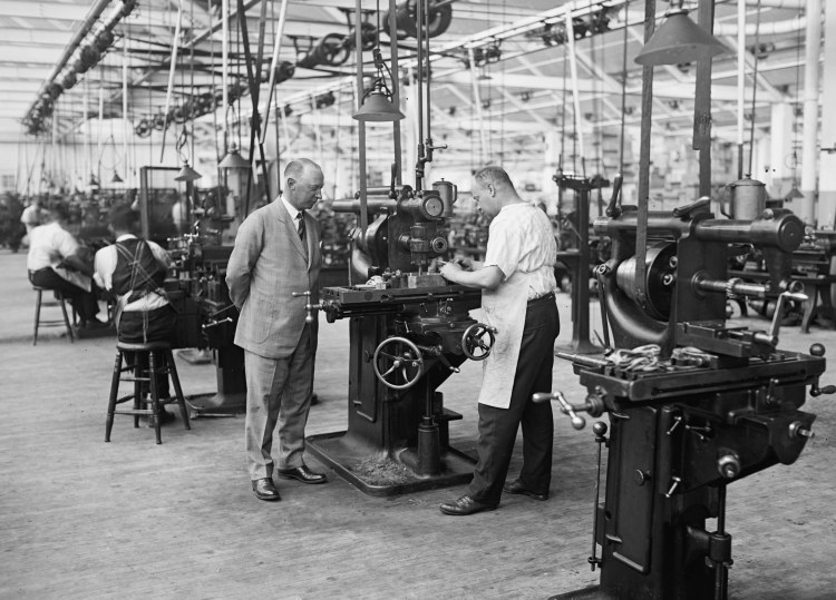 T.R. Shipp 1925 Atwater Kent Factory 1