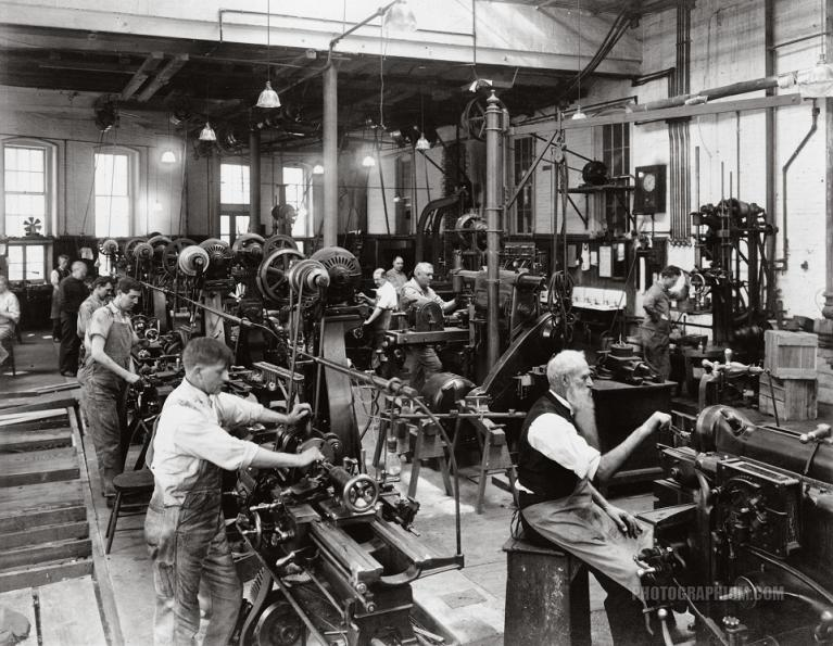 Machine shop in the government printing office, Washington, DC 1909-1932